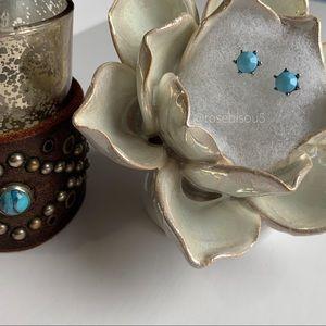 💋🆕Turquoise 6pt Silver Bezel Stud Earrings
